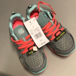 e28be319c7e Champion Shoes - BRAND NEW!  Girls  C9 Champion Premiere 5